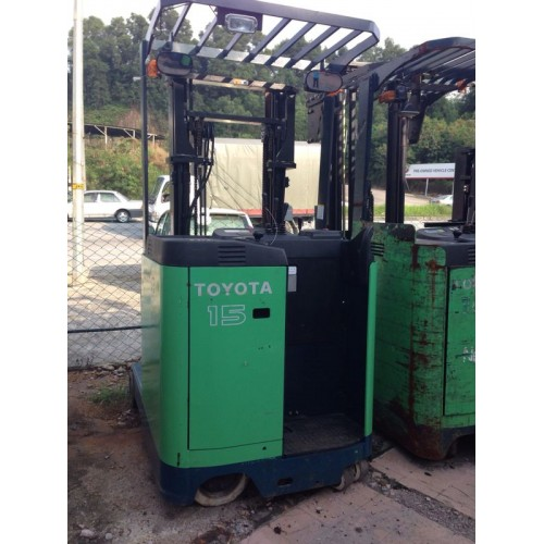 Toyota 7FBR15 (Electric Reach Truck)