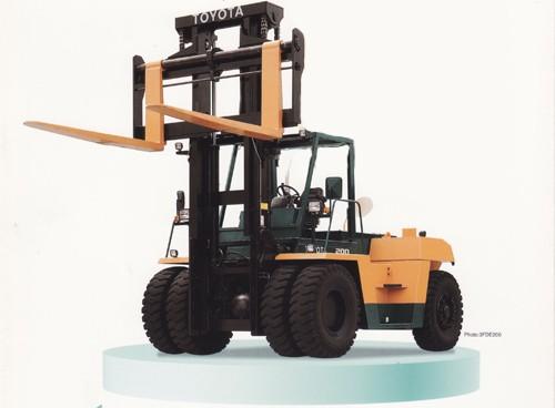 Heavy Duty Forklift - Toyota F200
