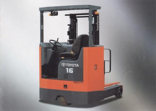 Sit On Reach Truck (Toyota)